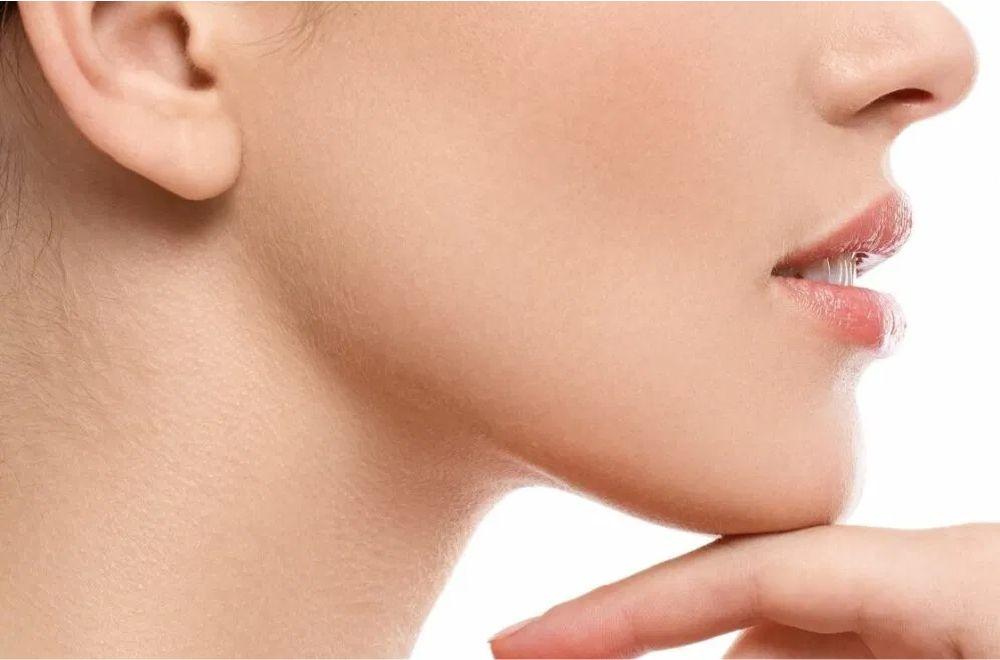 卡麥拉墊下巴手術-晶美整形外科